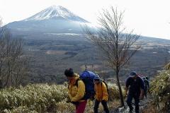 初日は付近の山をハイキング