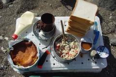 サンドイッチと野川氏の バースデーケーキ