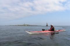 弁天島を前にして 潮が流れる